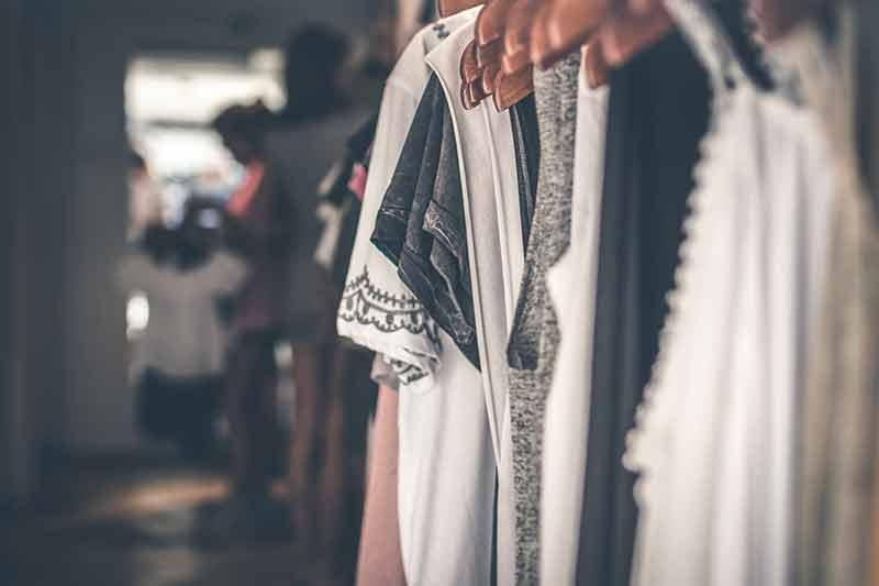 Comment vendre ses vêtements pour récupérer quelques euros?